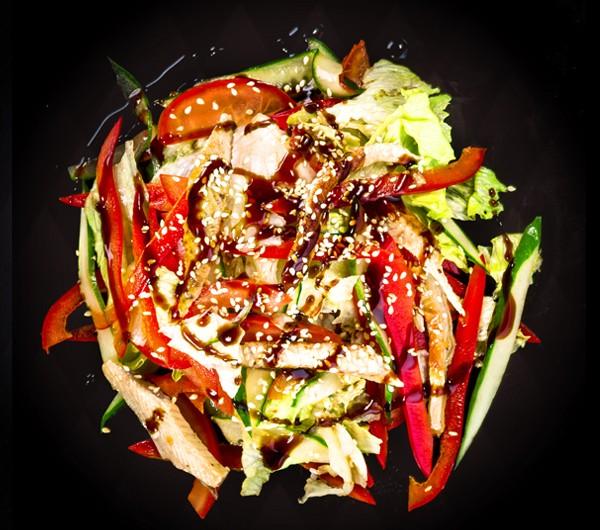 заказать: Салаты - Салат с угрем и овощным миксом