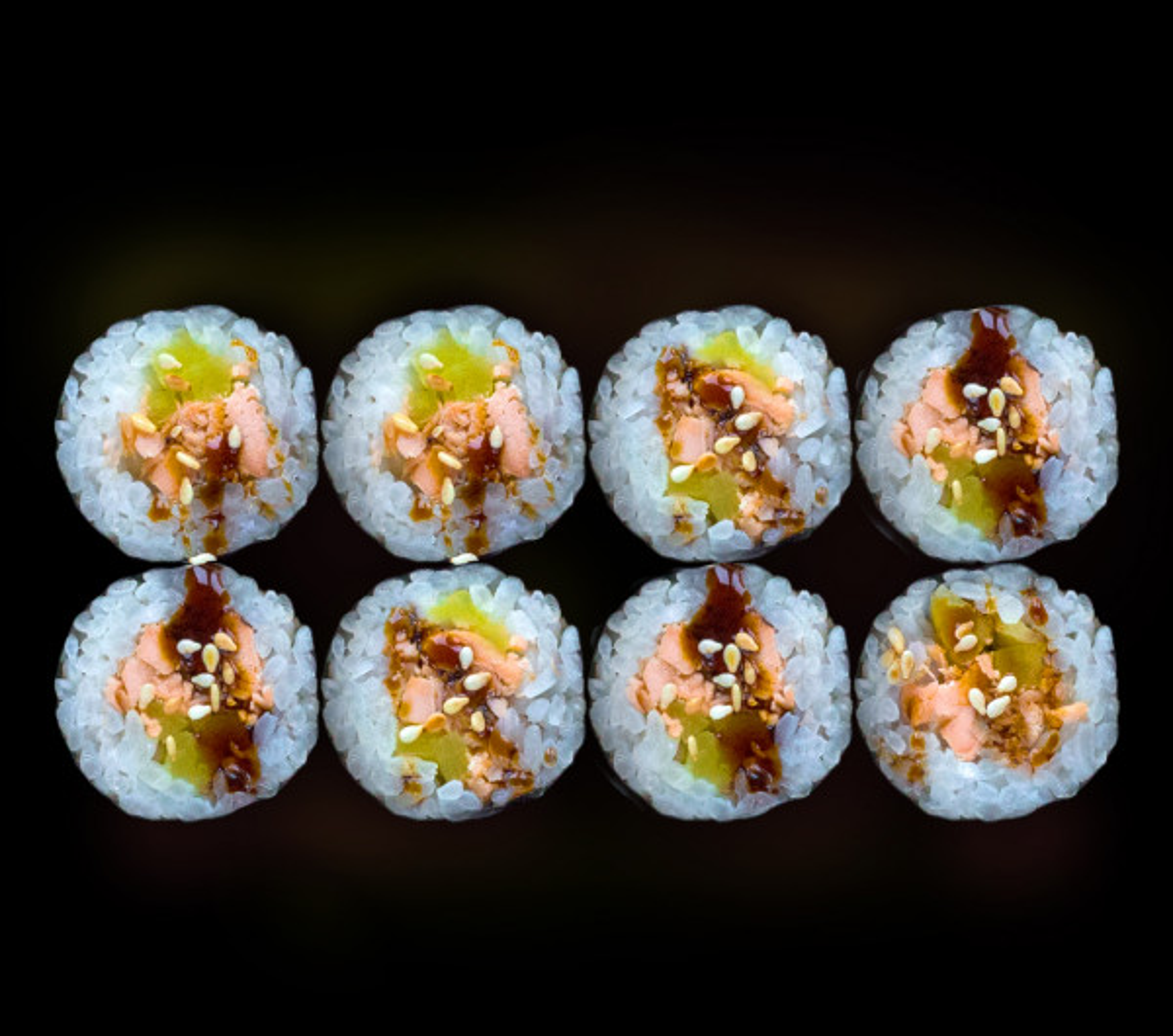 заказать: Роллы - Маки с печеным лососем